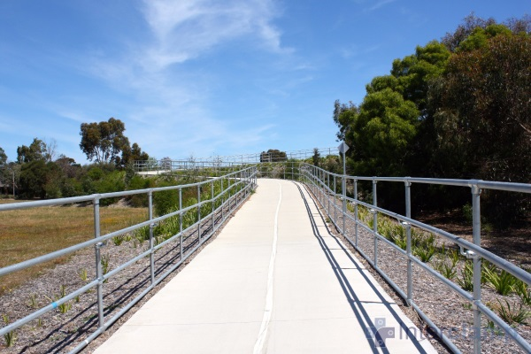 /media/269517/peninsular-link-cycle-path-handrail-2.jpg